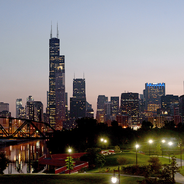 A photo of the Chicago skyline at night