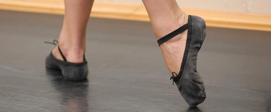 Ballet dancer feet in position during a rountine