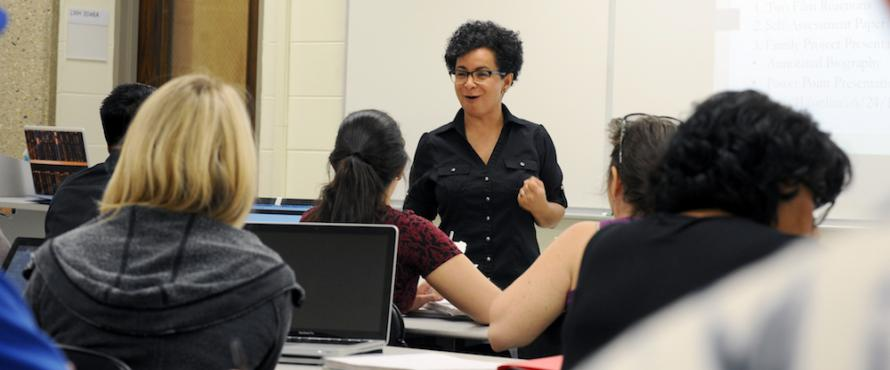 Assistant Professor of Social Work Milka Ramirez leads a class